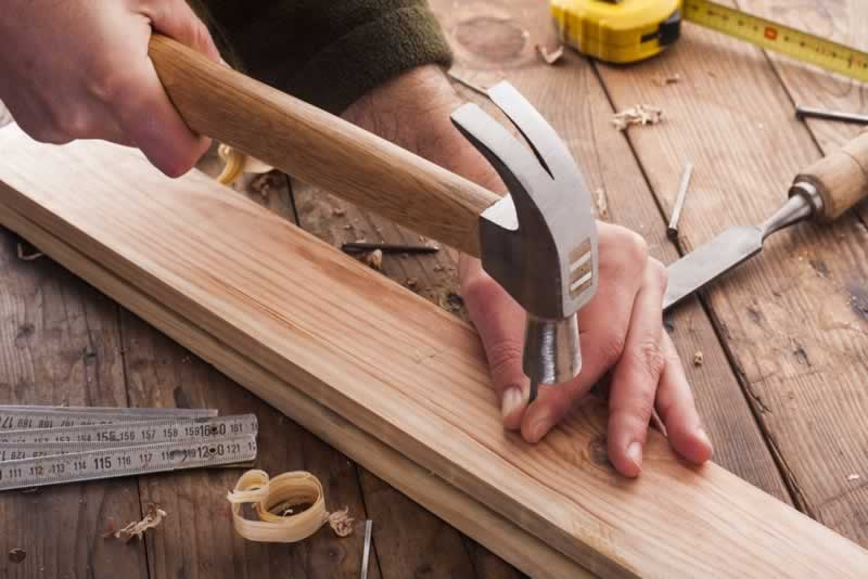 5 primary woodworking instruments for carpentry