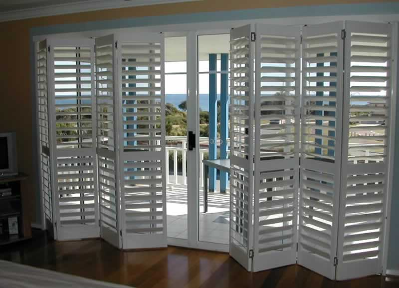 5 causes to decide on double-folded wood shutters