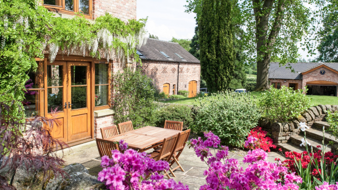 5 simple DIY tasks to revamp your backyard for spring