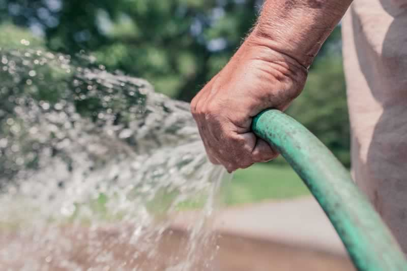 Spray! How to decide on the very best backyard hose