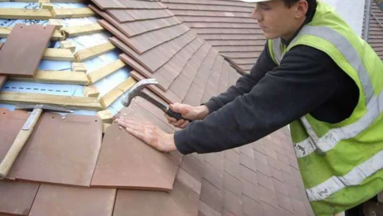 10 warning indicators It's time for a roof restore