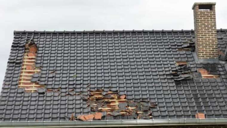 What to do in case your roof is broken by robust winds