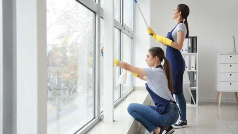 The advantages of hiring a industrial janitorial service on your development web site