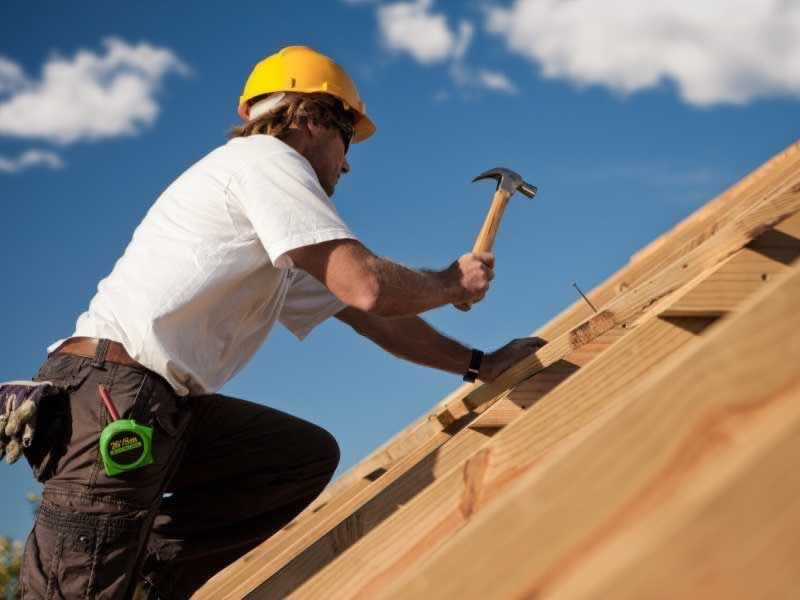 Why it's best to rent the perfect licensed Pensacola roofer