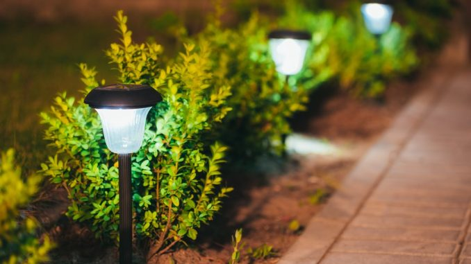 A easy information to purchasing photo voltaic lights outside