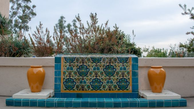 Replace the look of your patio with pool mosaics