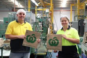 Woolworths launches new Australian-made paper bag