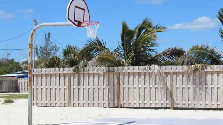 How do I construct a mini sports activities area in your own home?