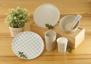 Coles cabinets for disposable plastic dishes