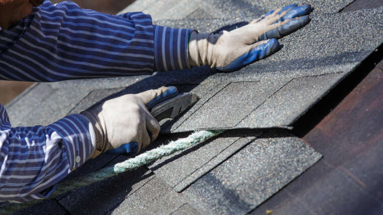 How to decide on a roofing and restoration firm