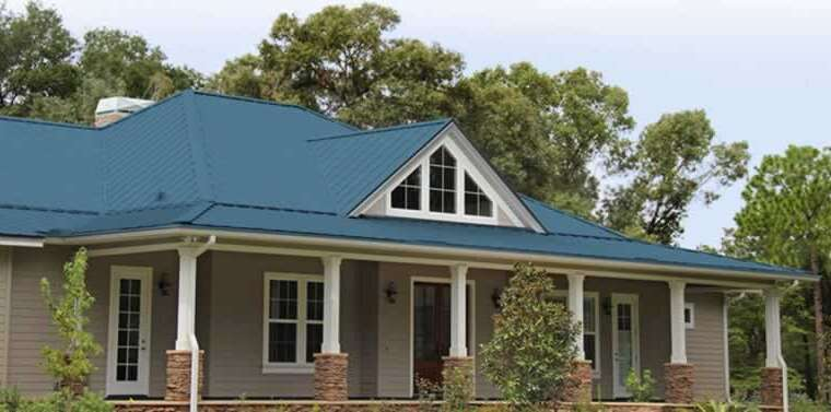 Why are owners turning to metallic roofing for his or her houses?