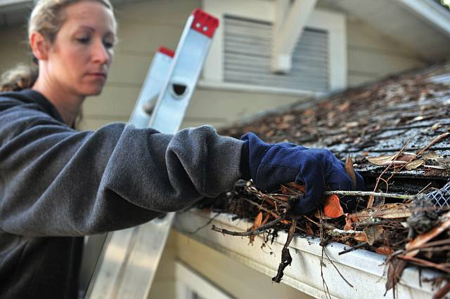 Clogged gutters put your basement in danger