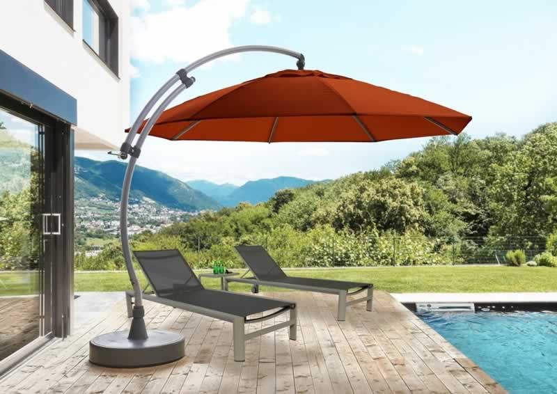 How can offset umbrellas make your patio look higher?
