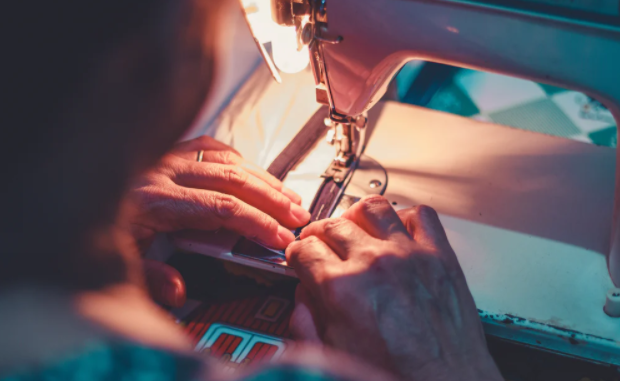 How to decide on the best embroidery machine inside finances
