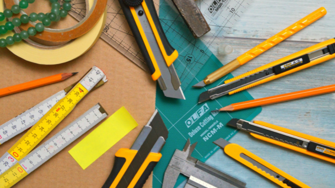 Craft Knife vs. Utility Knife: How Do You Use Every? What's the distinction?